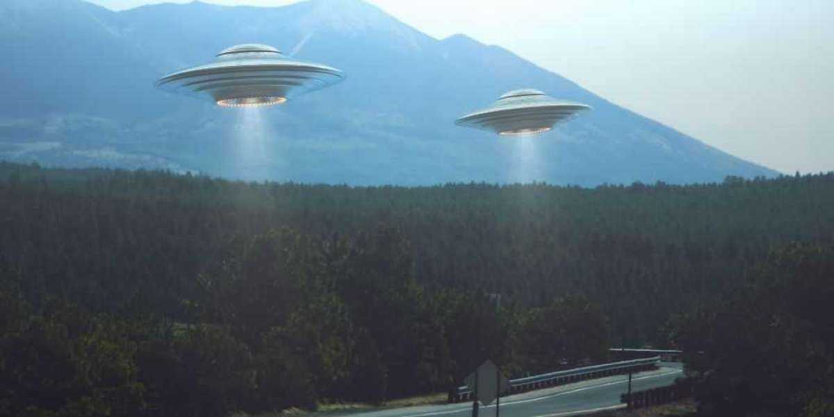UFO Sightings In My Area (Flying Saucers!) UFO Pictures